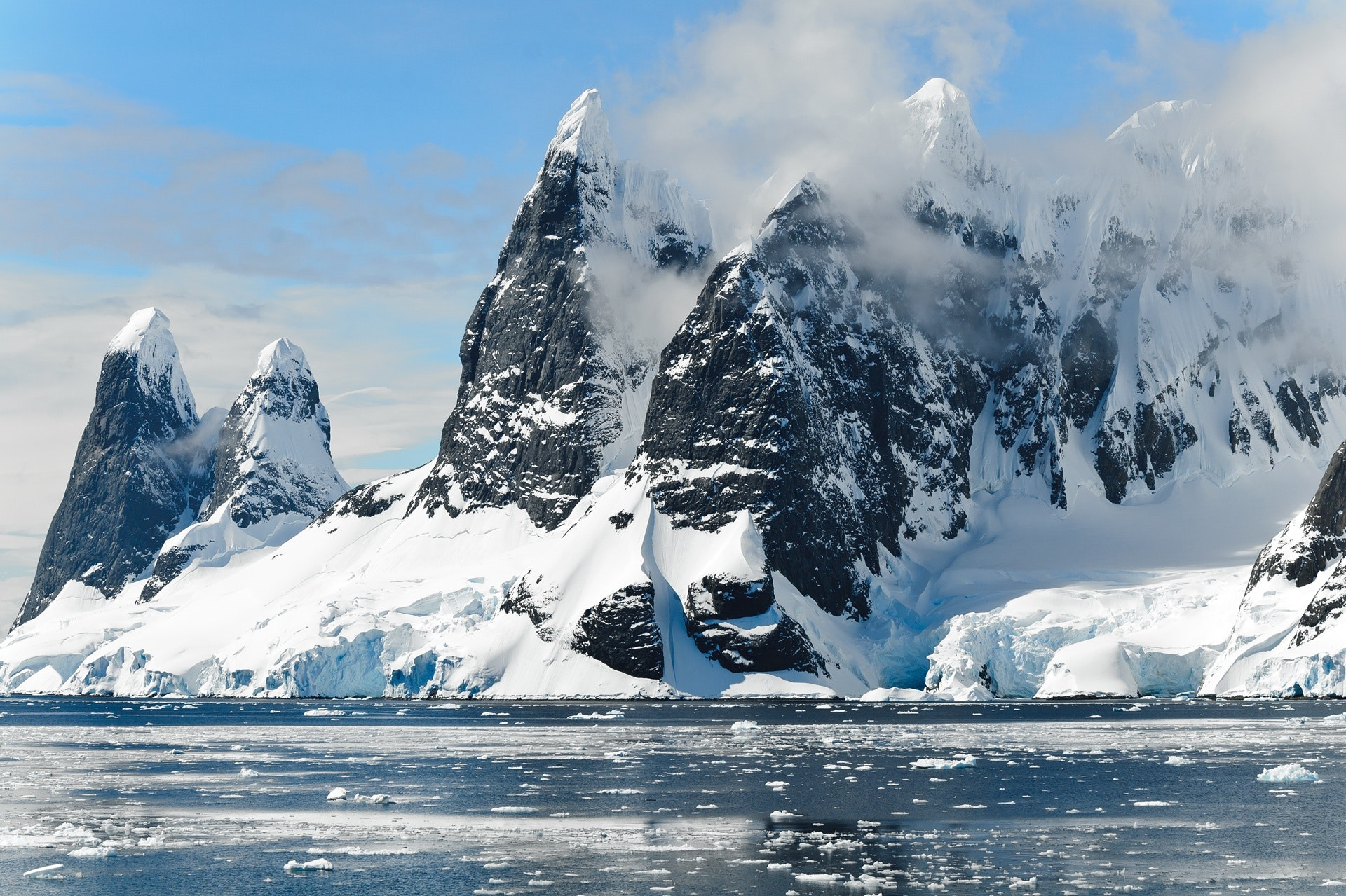 COMNAP Antarctic Fellowships for Early-Career Researchers